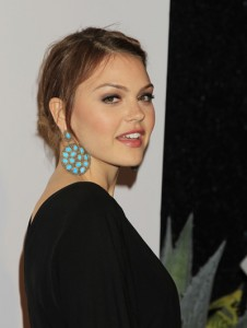 Aimee-Teegarden-Pictures-06